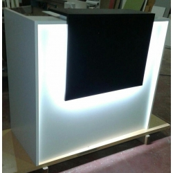 Recepcion 120x60x110 con Iluminacion Led