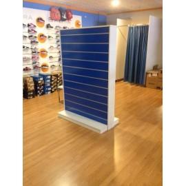 Gondola Expositora de panel de lama 125cm ancho 60cm fondo 180cm alto a dos caras