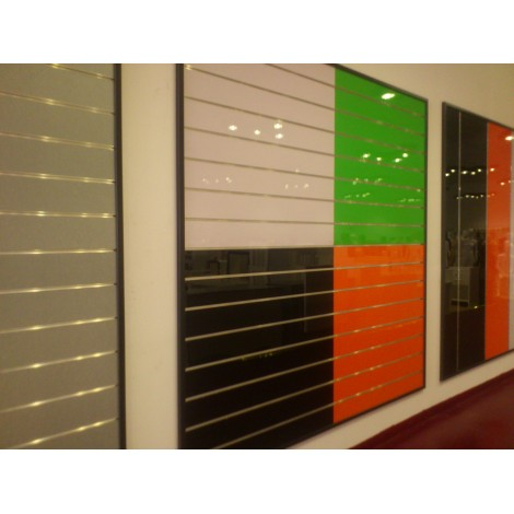 Panel de lamas negro lacado medidas 1.20x1.20cm con perfiles de aluminio incluidos